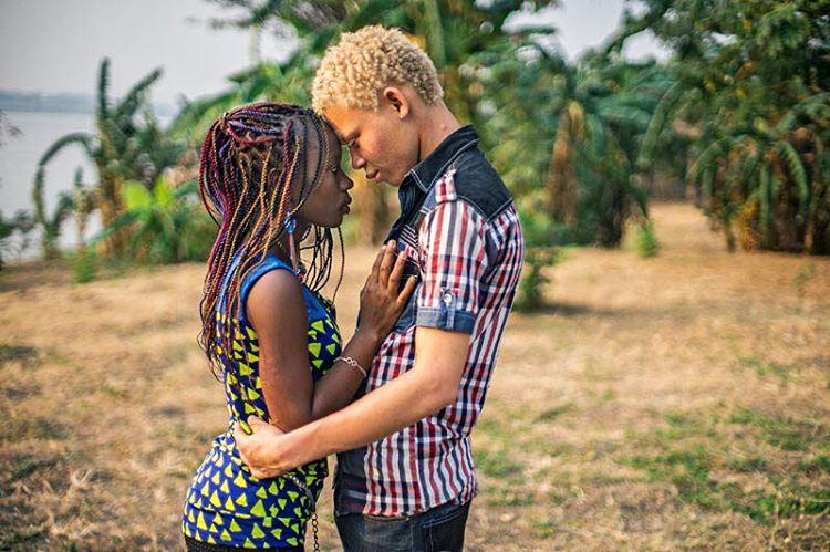 paras dating sites Afrikassa